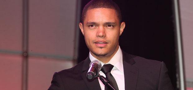 THIS JUST IN:  Is @Trevornoah replacing Jon Stewart on @TheDailyShow? http://t.co/k9ozlImN2U http://t.co/muj8ZtyvNY