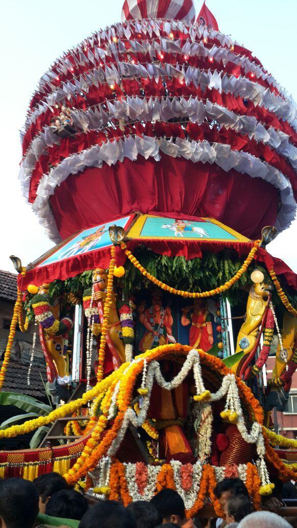 Rathotsava (Chariot / car festival) #NowHappening in Kundapur, Karnataka #RamNavami @RohiniBakshi http://t.co/mQjO8IPjYc