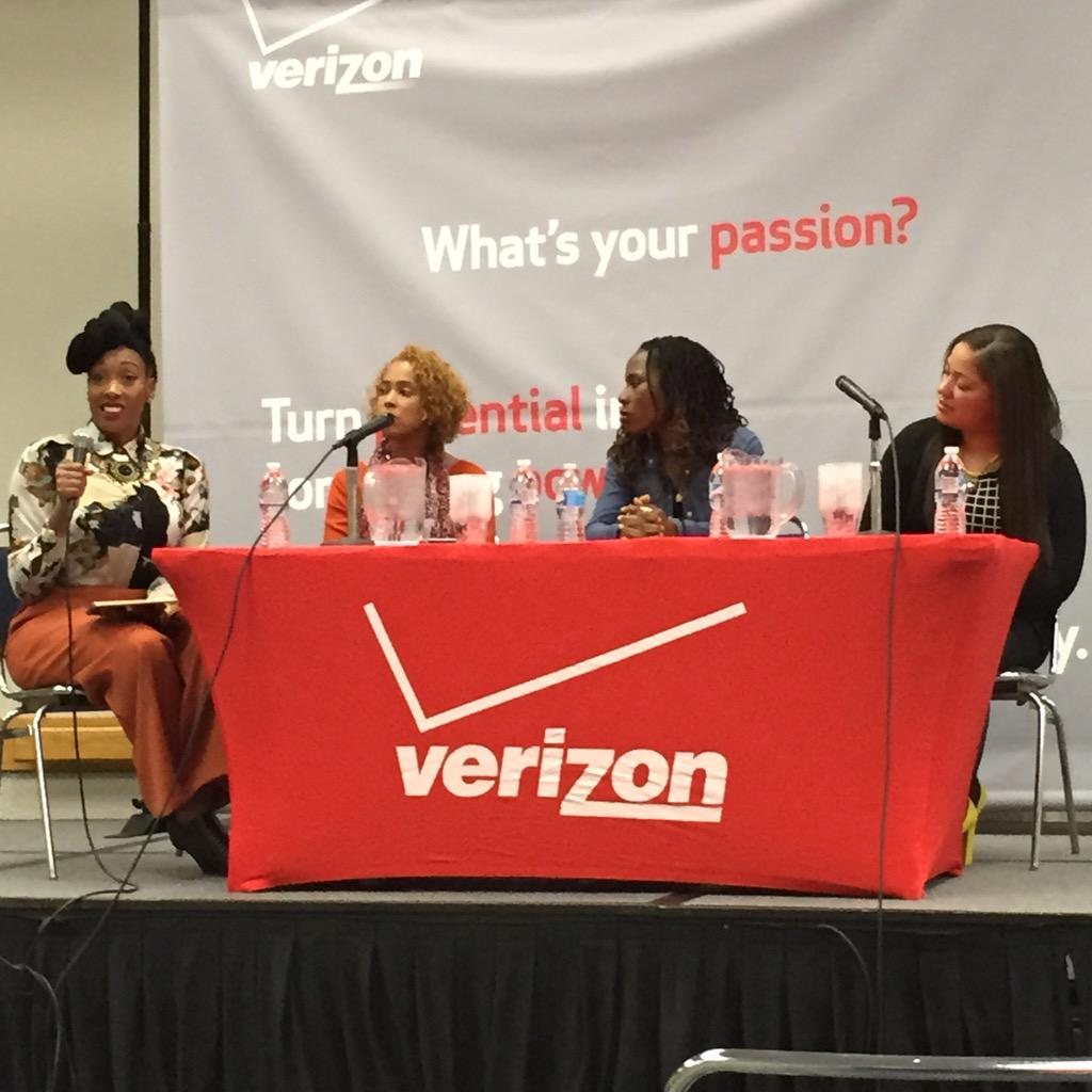 THESE WOMUN R KILLUN UT TODAY @DIVASANDDORKS @Luvvie Lisa Laws & Abby Knowles #PotentialOfUs @BlackWomensExpo http://t.co/HpaCvs6ZpB