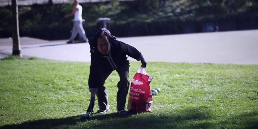 How the Danish Red Cross used discarded drinks cans to communicate with an at risk audience: http://t.co/PXel1j9Zn5 http://t.co/PxeykdmcY3