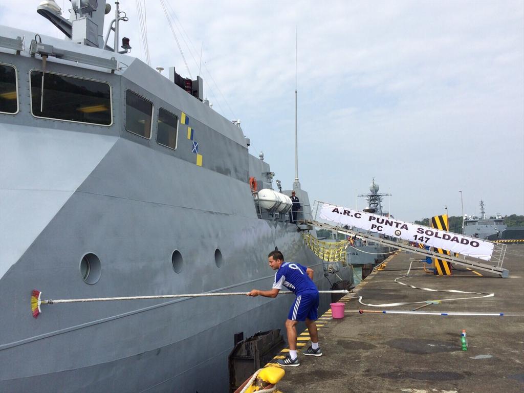 Colombia - Colombia se apresta a recibir la corbeta coreana PCC 755 Anyang CBNE1M2WkAETSrE