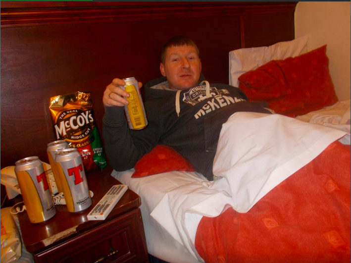 RT @hatwell: looking at hotels for my trip to glasgow in a couple weeks. found this pic on tripadvisor. sold. http://t.co/pueB0NZJFR