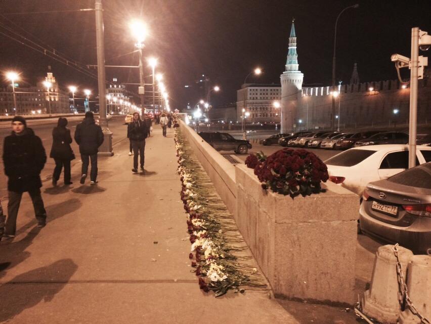 Власти Москвы третий раз ликвидировали народный мемориал Немцова - Цензор.НЕТ 8643
