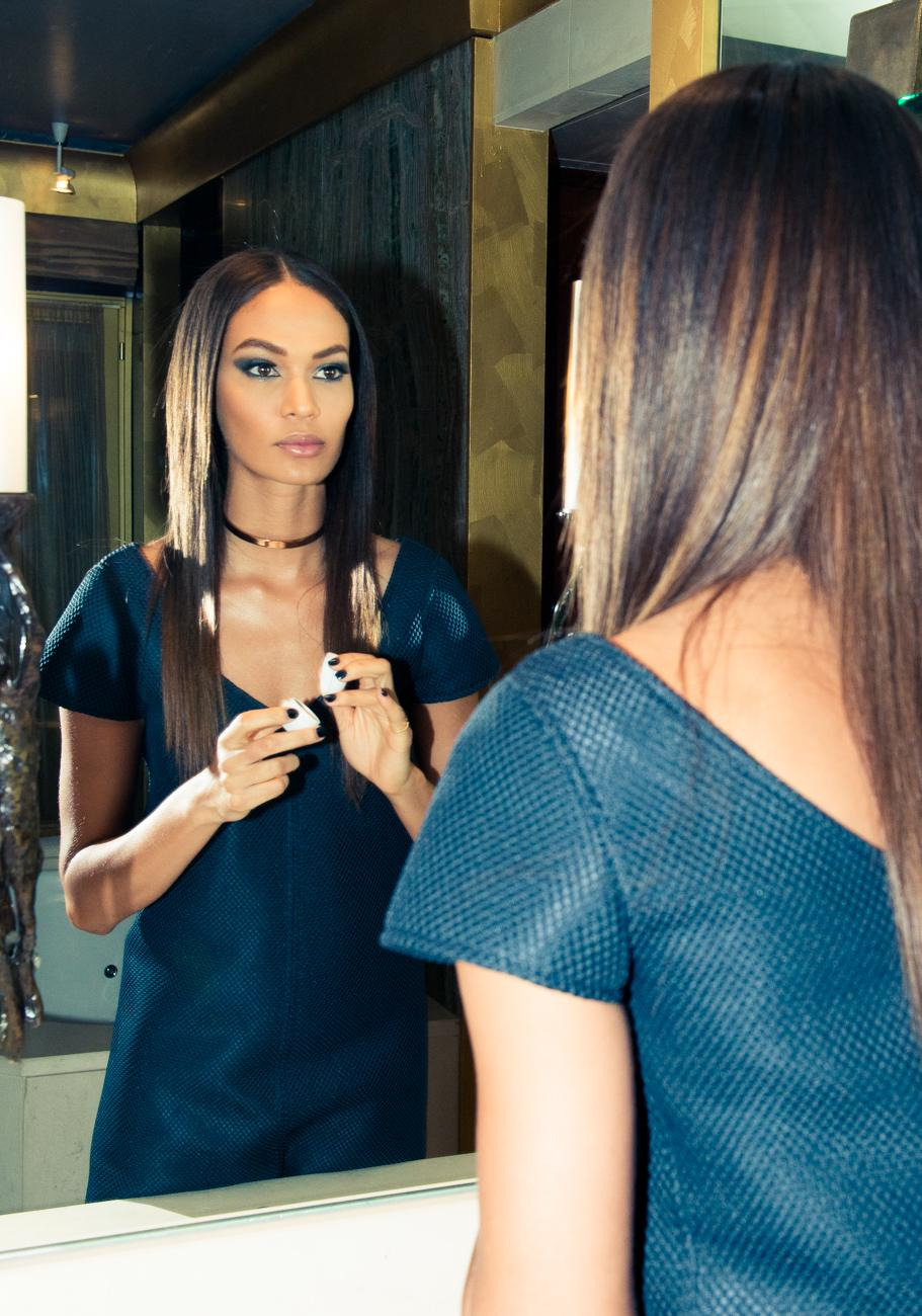 RT @EsteeLauder: Saturday night look inspiration courtesy of @JoanSmalls + our @CourregesParis Collection: http://t.co/h6tjimAv87 http://t.…