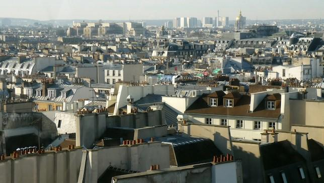 By law, all new roofs in France must be topped with plants or solar panels http://t.co/DbBkXn9qA7 http://t.co/xqE1ljglOE