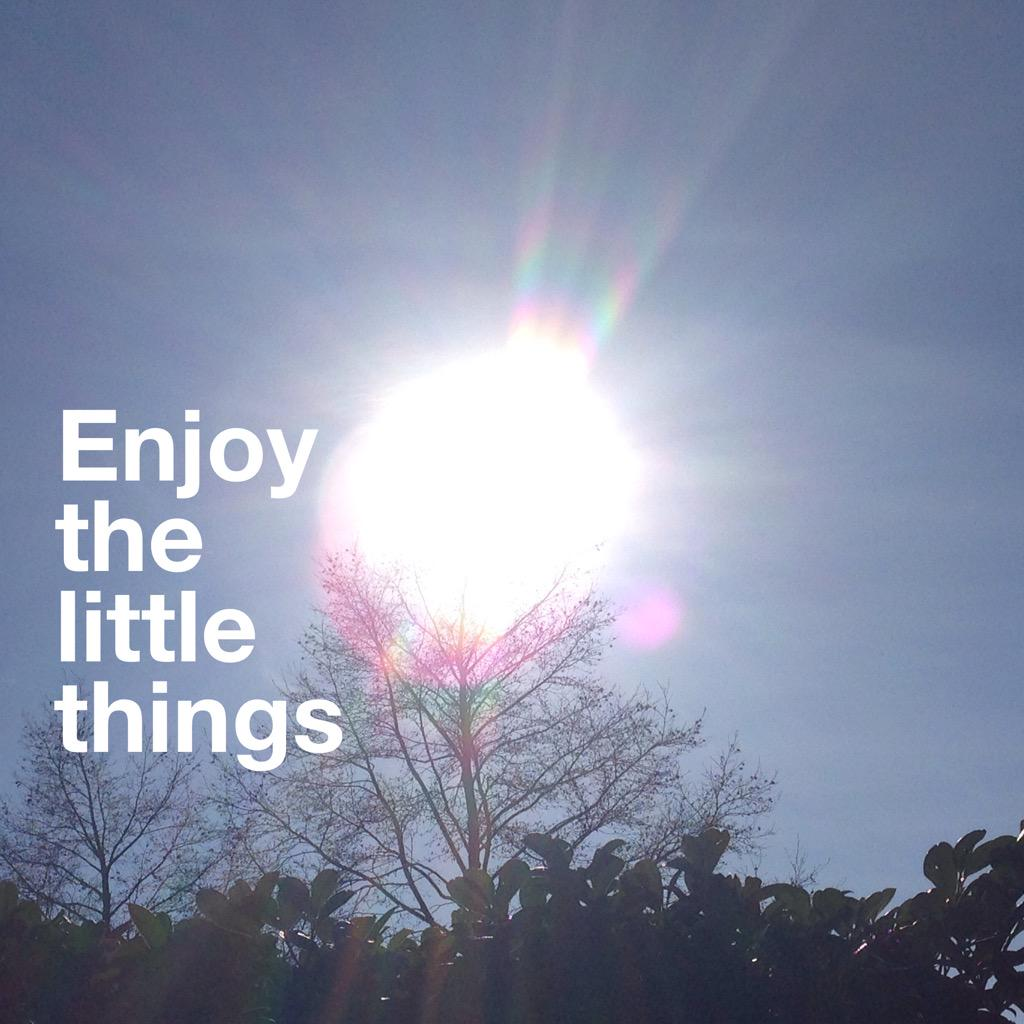 Sun, a smile, a gesture...... Be grateful for the little things today <3 #thinkbigsundaywithmarsha #gratitude http://t.co/i6NljTsLqc