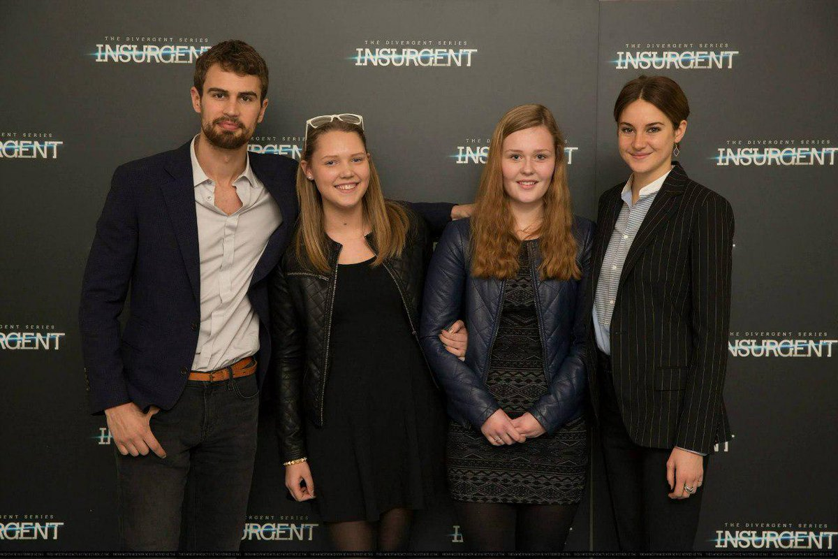 Shailene woodley id on twitter theo james shailene woodley with shailene woodley id on twitter theo james shailene woodley with fans at the copenhagen meet and greet via theshailers httptgowznwdhyo m4hsunfo