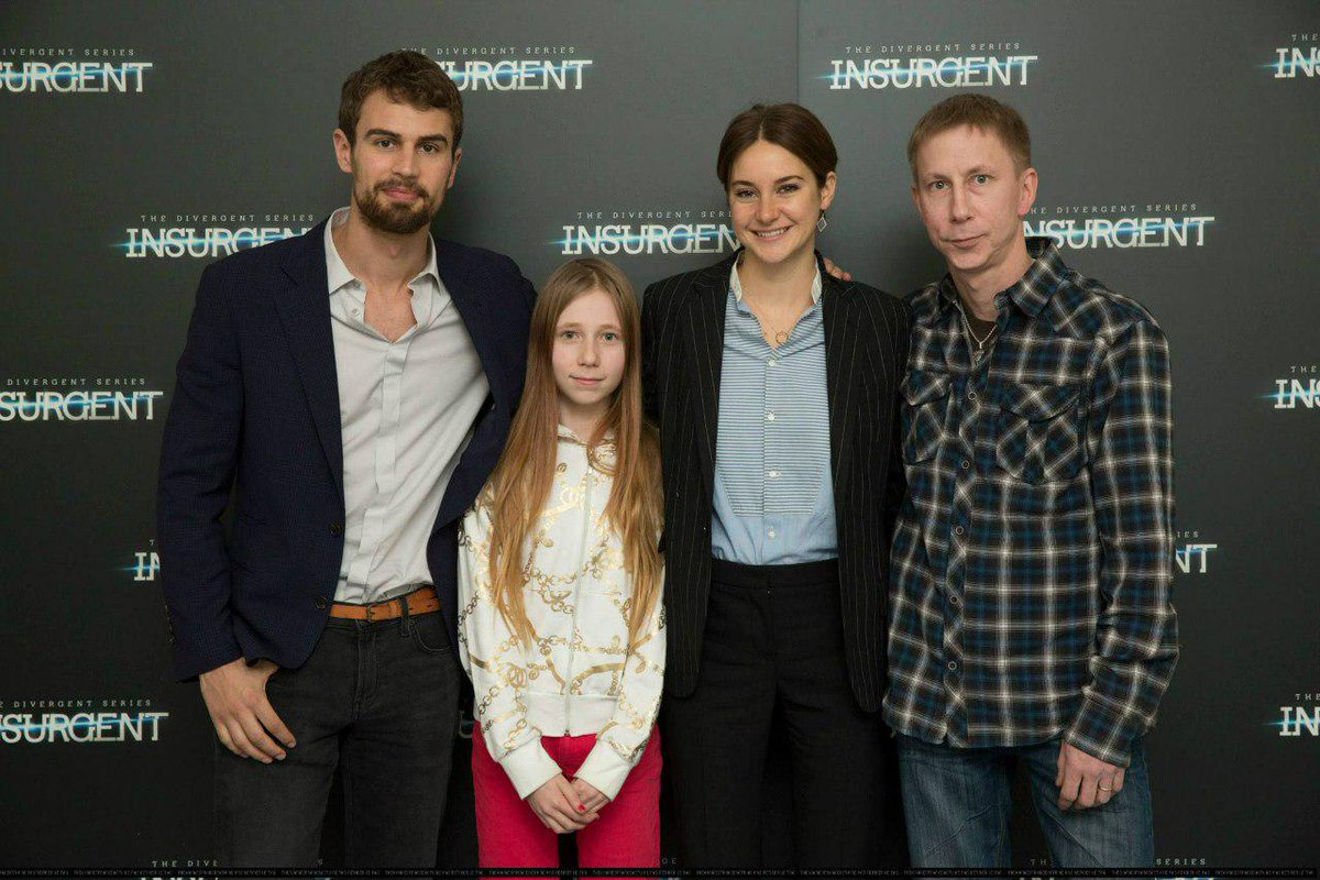Camilla on twitter theo james shailene woodley with fans at the camilla on twitter theo james shailene woodley with fans at the copenhagen meet and greet 2 httpt4ssz8h8r85 m4hsunfo