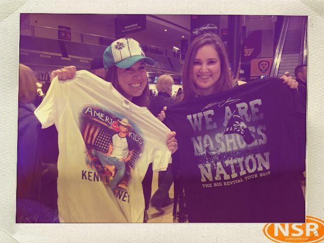 We love @noshoesradio and @kennychesney !!! #TheBigRevivalTour @TerraBellaMusic #Nashville #NoShoesNation http://t.co/9ed7cmfJyE