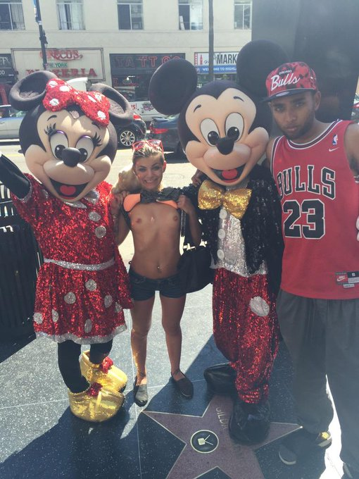 Lol #hollywoodblvd #tits #MickeyMouse http://t.co/LHnVyrrOtf
