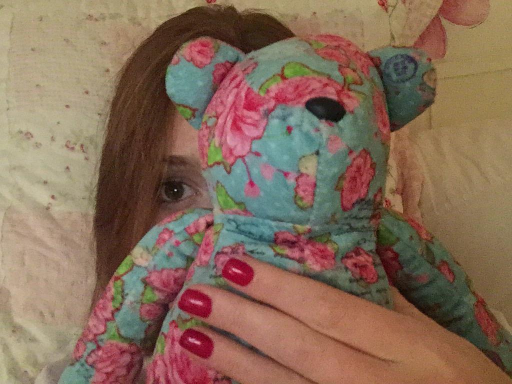 Marina Ruy-barbosa  - Olha quem va twitter @mariruybarbosa