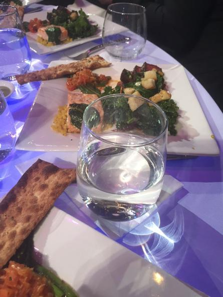 .@jtimberlake's plate #iheartawards http://t.co/XFpiwil78G