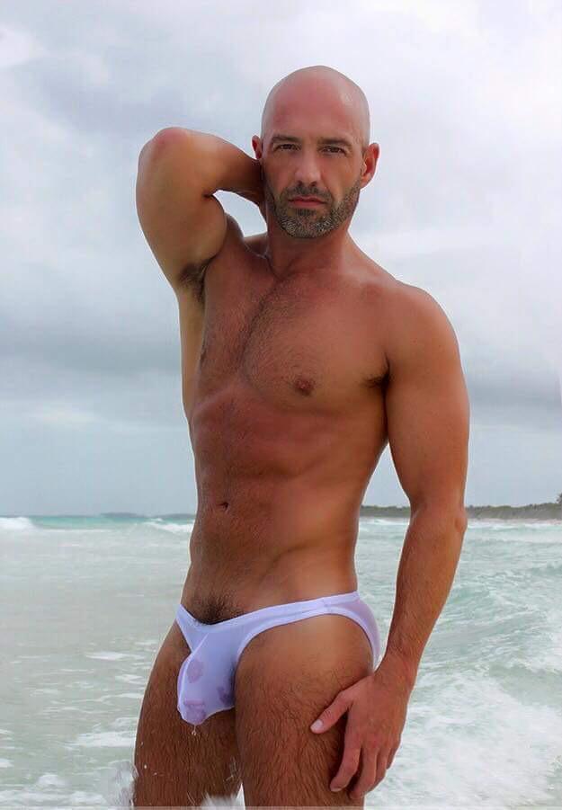 Hot cougar ass fucking