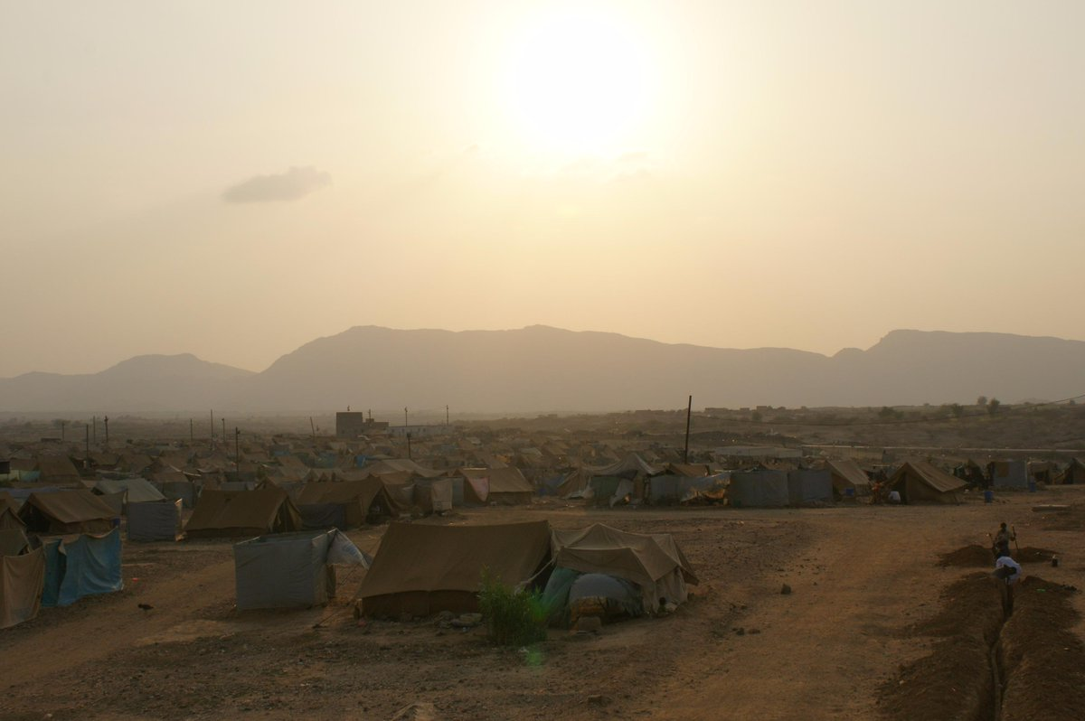 A photo I took in 2011 of Mazrak refugee camp in northern Yemen, bombed today by Saudi jets. 45 dead say @IOM_news http://t.co/3CThG3hB9M