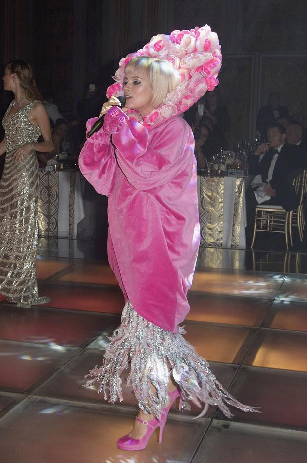 What do you think of Lily Allen's pink #RoseBall look? http://t.co/xVCzevZosY