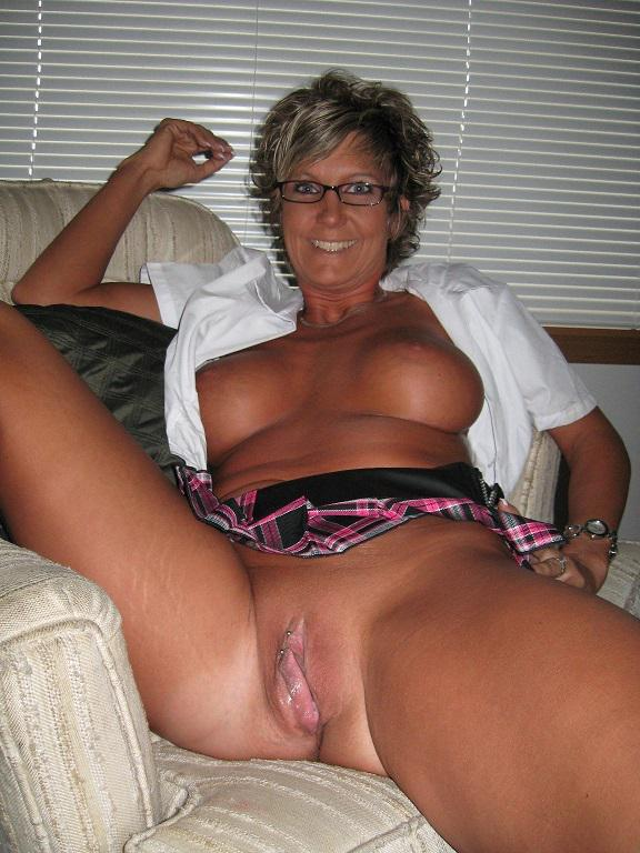 Hot Cougar Fucked in the Pussy - Free Porn Videos -