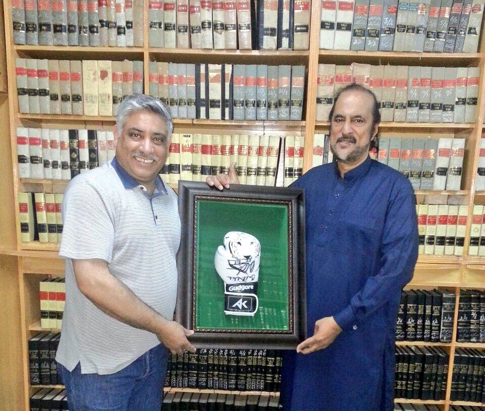 Big thanks to @DrBabarAwan for being great help setting up @AKFoundation in Pakistan http://t.co/RiyHyTpZB1