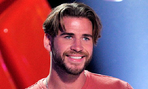 Liam Hemsworth goes full Nickelodeon circa 1992 http://t.co/WZg6POIbqm http://t.co/tvjtmSaLnK