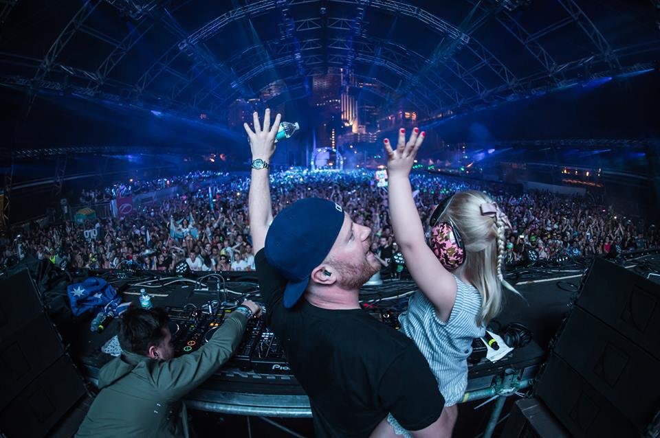 RT @dougvansant: Special moments with @ericprydz at @ultra. #ASOT http://t.co/pXrMI9CXfG