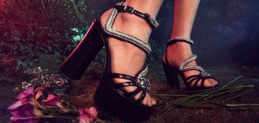 Step into Wanderland with our spring #shoe event featuring @YSL #SaksStyle http://t.co/mNv7nXHVBB http://t.co/umE0lRgqnI