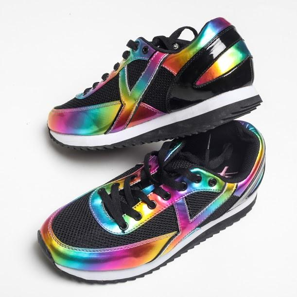 These shoes are giving off major Lisa Frank vibes: http://t.co/UDlNZJJVNB http://t.co/sYSSLsiEf6