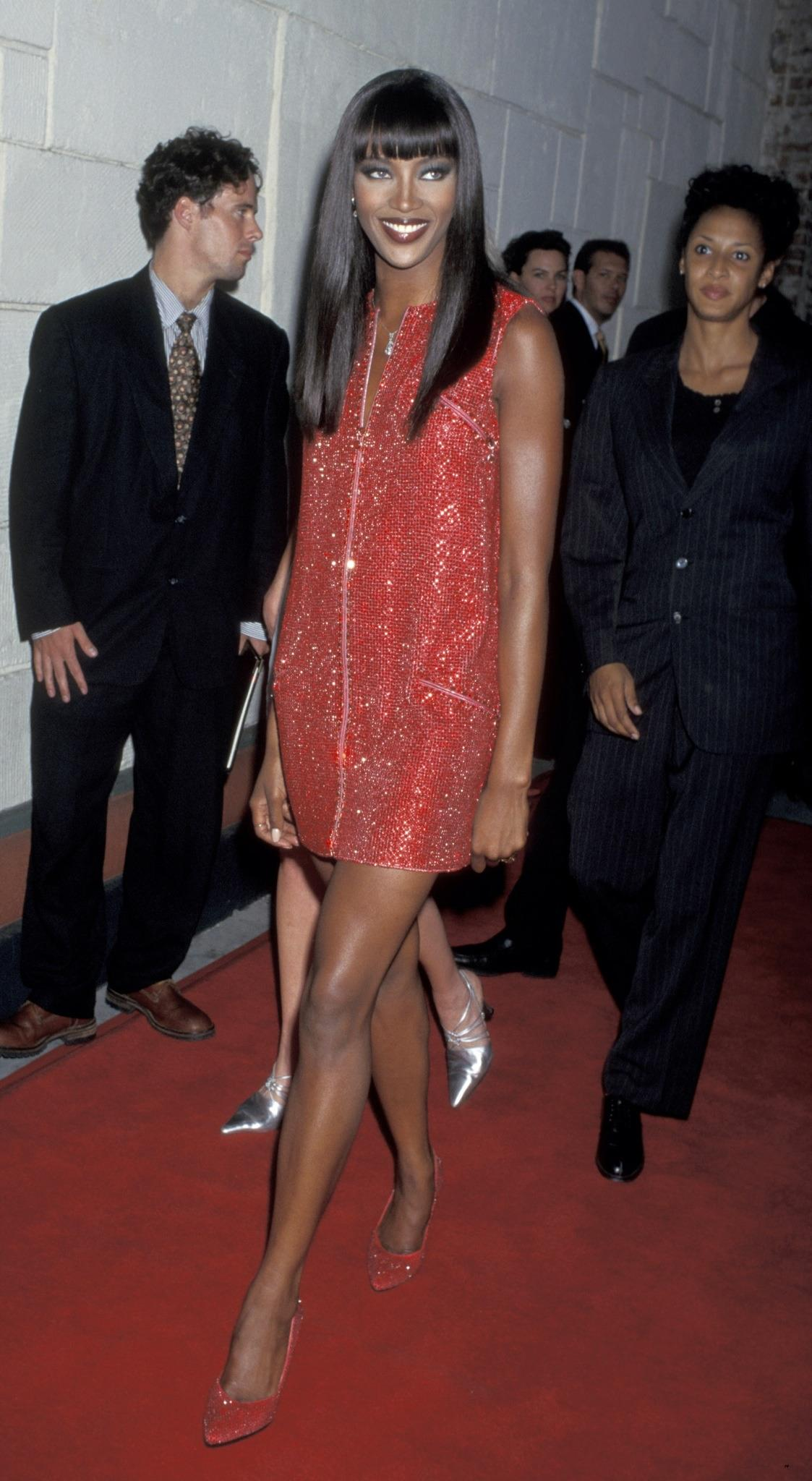 See all of Naomi Campbell's best fashion moments from @amfAR: http://t.co/Fl0H4FrvhC http://t.co/f5H5fCgnqW