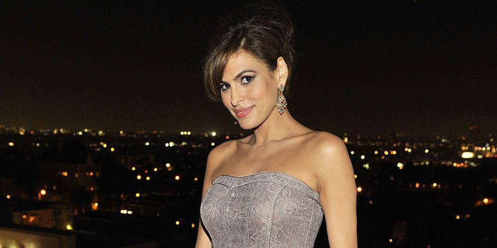 Eva Mendes wore a $6 dress on the red carpet: http://t.co/enA60YvLAH http://t.co/FcAKUlS22S