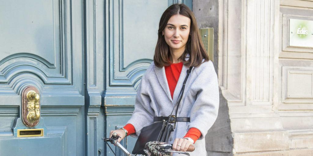 Belle on Wheels: 10 Parisian Girls We Swear We Found on the Street http://t.co/sji6vj2qRX http://t.co/TLVS6OckBo