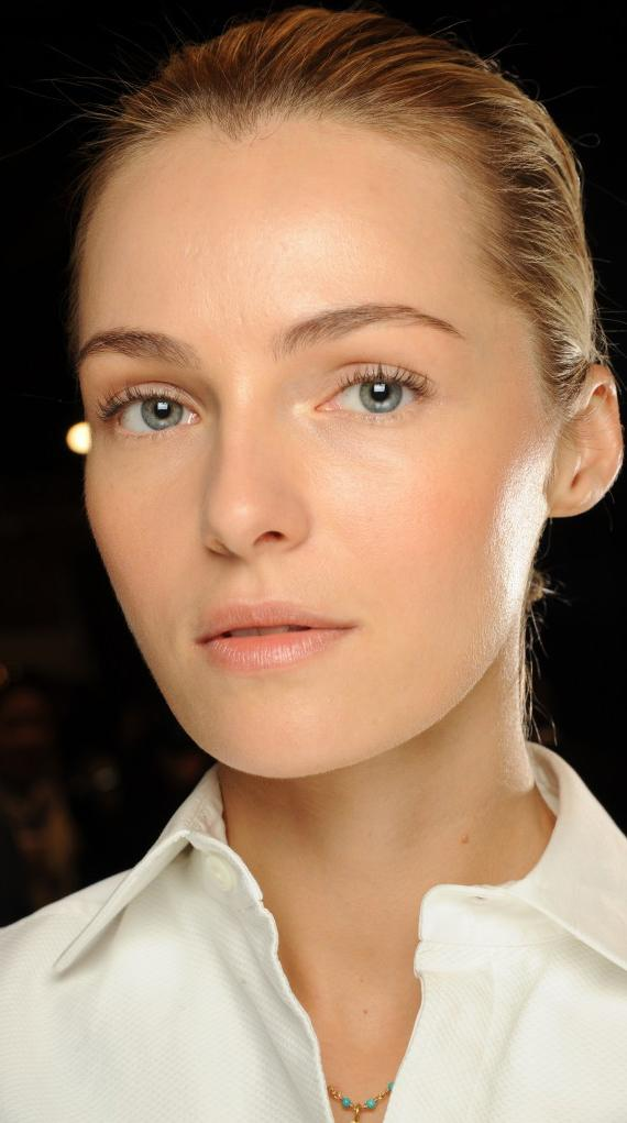 Here's what you absolutely should NOT be doing if you want perfect skin: http://t.co/QMPd7YhZ6U http://t.co/a0fe0NN5Nl