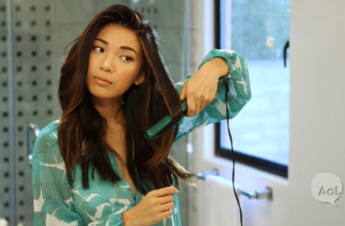 How to curl your hair using a flat iron: http://t.co/s8cHgdPuN5 http://t.co/RM8iCBda3l