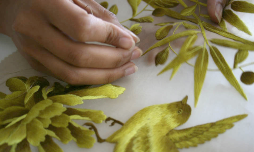 How beautiful is this hand made fabric from @fromental http://t.co/MfiFGo7J1k