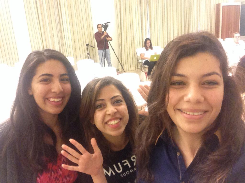 Await our live coverage of #aucsmc with @SarahYasser3 and @Le_moo. #JRMC2202 #AUC http://t.co/LEegmCdjNY