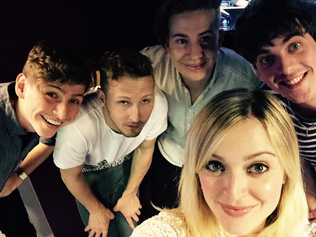 Today in the live lounge these guys #R1circawaves http://t.co/6UNJD3zqaR