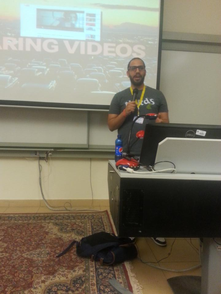 """The second speaker is Rami Boraie, the topic will be """"Don't take social media personally."""" #aucsmc http://t.co/ecor6hSItI"""