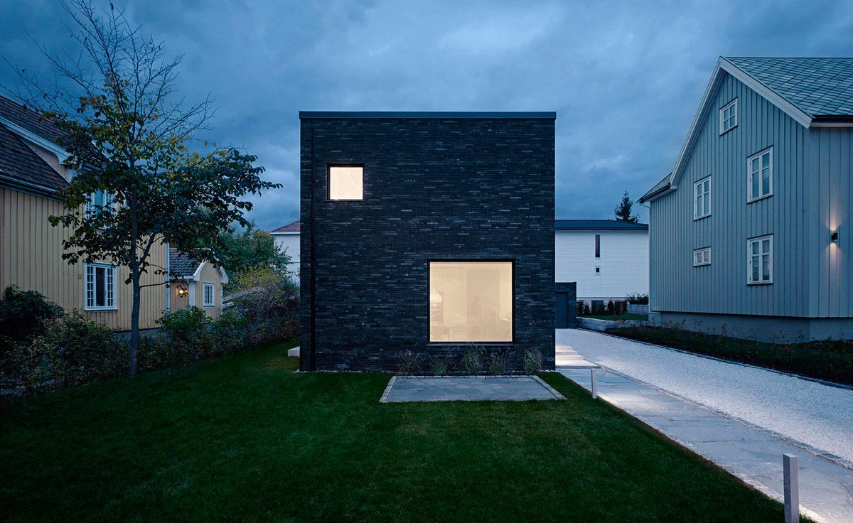 """Pernille on Twitter: """"Real Life #Minecraft House? @wallpapermag"""