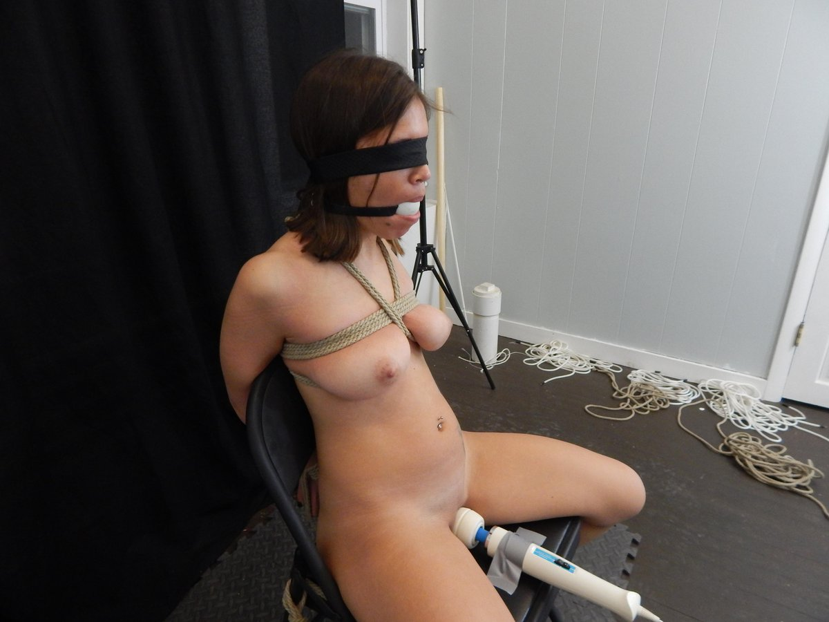 Tied and vibed