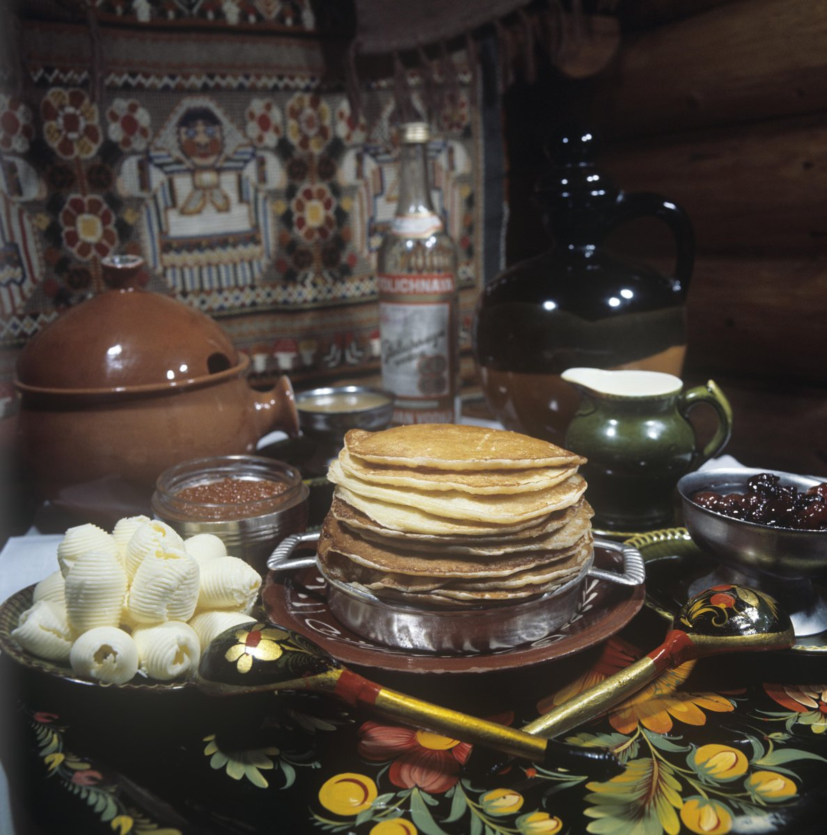 Visiting Russia soon? Click to read about delicacies every #tourist should sample. #cuisine http://t.co/jcmtUcPSME http://t.co/bSI8irlaeB