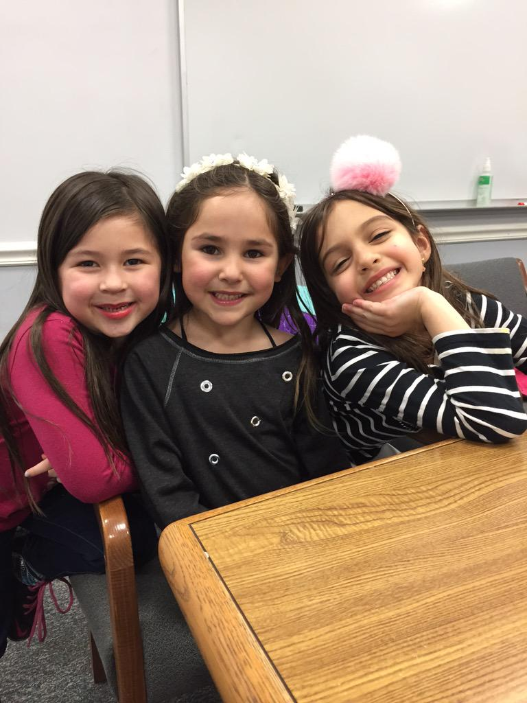 Just had the best lunch with these #Cantiague K munchkins- learn the most about our school from our kids! http://t.co/nGoNfmQUiA