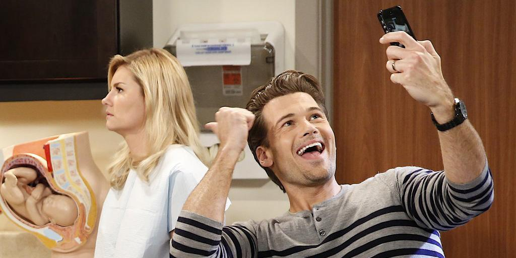 RT @NBCOneBigHappy: Are you ready to live tweet with us at 9:30/8:30c? Luke sure is! #OneBigHappy http://t.co/79KEf6vrNh