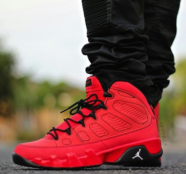 finest selection 881ab 427c8 SneakerTicker on Twitter: