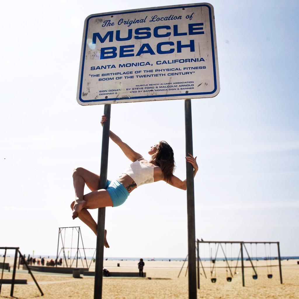 Welcome to muscle beach! Aerialist do it better, Jess in our off white laced crop top. Available at @jaggedvdf soon. http://t.co/r8EKbKSYuN