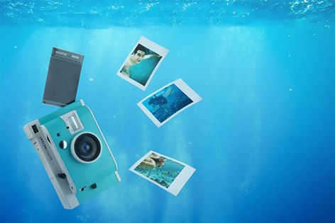 Lomography proudly presents: Underwater Lomo'Instant Caribbean Edition! http://t.co/4W7MJuRtiM http://t.co/JlJT1VItLP