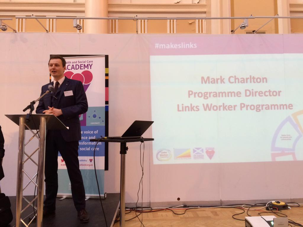 #makeslinks @markmakeslinks now speaking  about the record of learning and building a community of people #makeslinks http://t.co/lqYoRQHszh