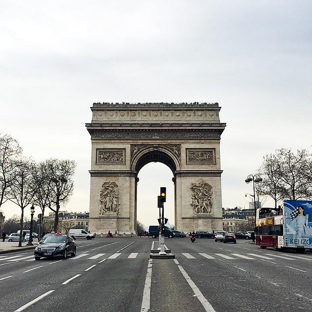 #RapmagParis standing in the middle of the boulevard #nofilter #view #arcdetriomphe #arch #architecture #champselys… <br>http://pic.twitter.com/NmKnZQCpEL