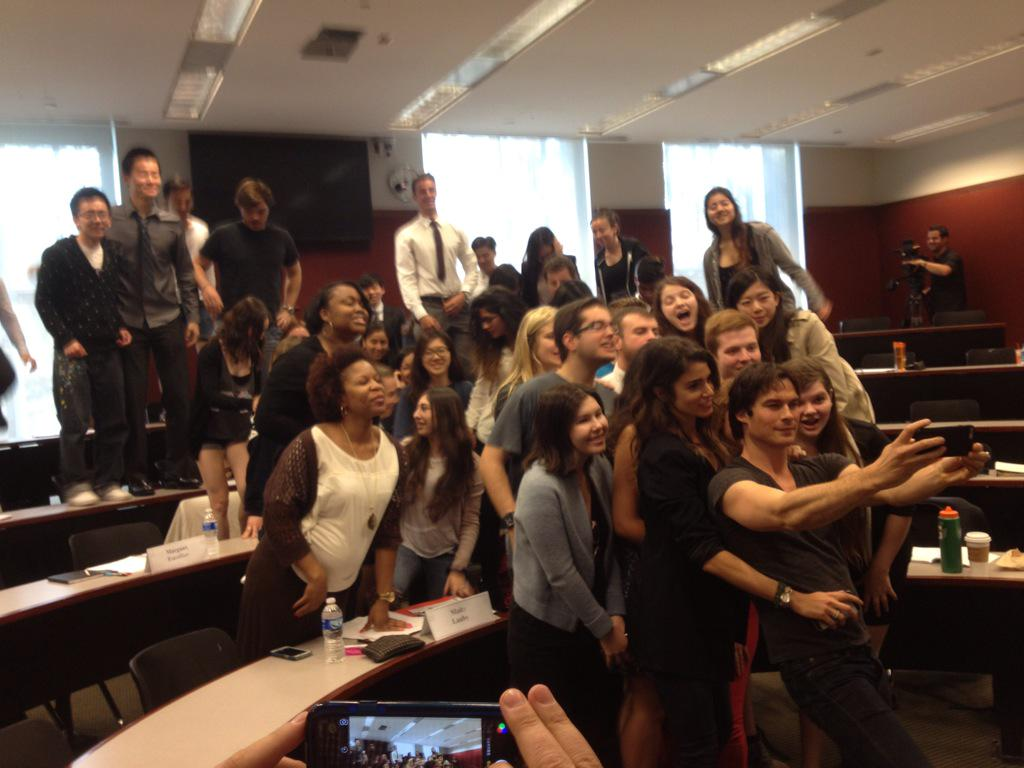 Oops. @chevrolet sponsored @iansomerhalder appearance @EmoryGoizueta not Chrysler. The class here takes a selfie! http://t.co/nmdiJKQoKk