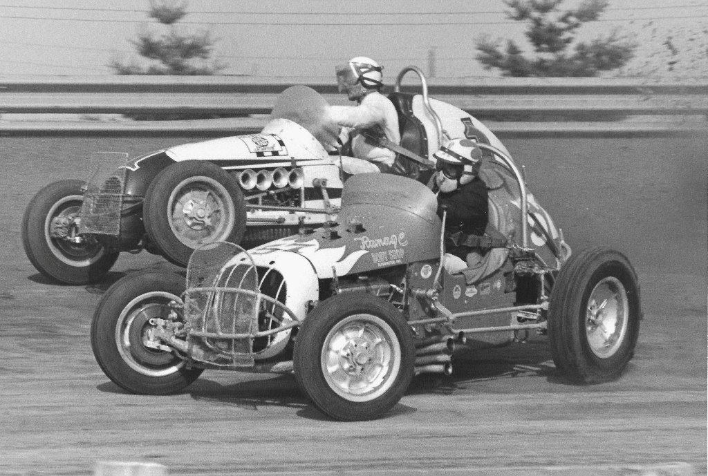 vintage sprint cars on twitter a j foyt gets his left front off the ground as he goes around. Black Bedroom Furniture Sets. Home Design Ideas