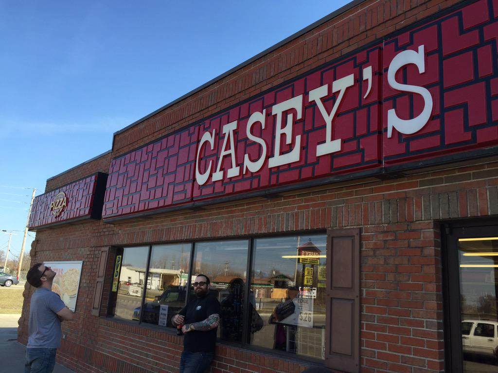 """Casey's response """"Oh god no. I didn't even vote for that guy."""" So we bought $100 worth of pizza from Casey's. http://t.co/vXUgMZEtBU"""