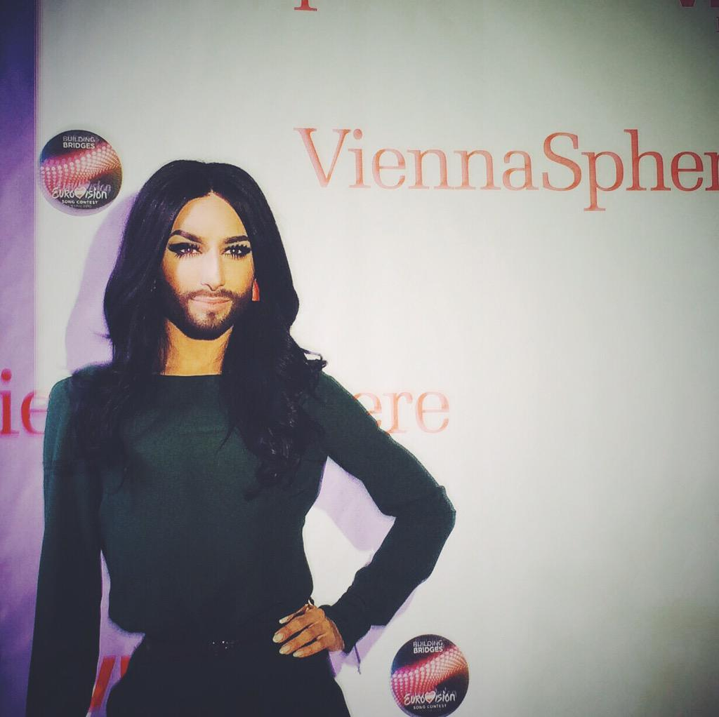An incredible evening with @ViennaInfoB2B thank you. @ConchitaWurst was unexpected but brilliant! #ViennaSphere http://t.co/oFzgFwzeuA