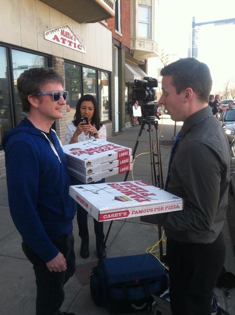 The press accepted our offer. They like non-discriminatory pizza. Right outside of Memories Pizza in Walkerton, IN. http://t.co/9BrpIkhHWm