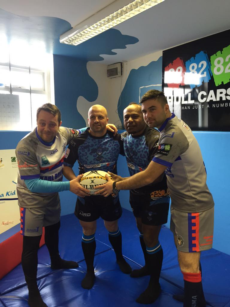 RT @dpfitzy2: @russellcrowe any chance you could rt to try to promote this charity rl game in hull for @joel_for @lifeforakid http://t.co/7…